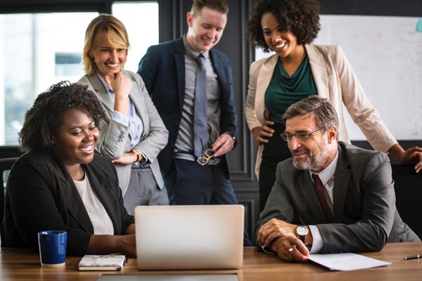Cohésion de groupe en entreprise : créer une ambiance conviviale