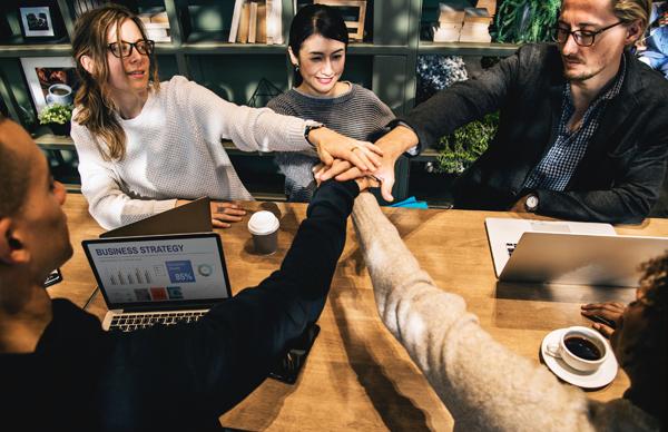 Cohésion de groupe en entreprise : véhiculer des valeur collectives